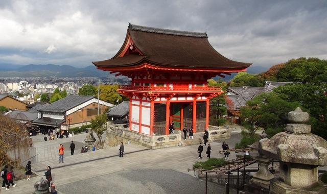 Количество иностранных туристов в Японии достигло рекордных 24 млн в 2016 году