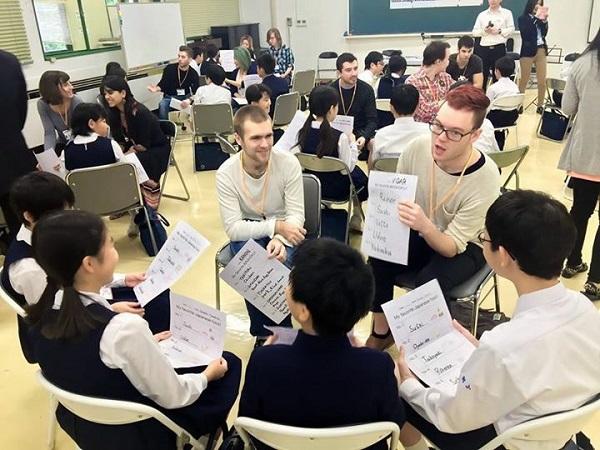 Японская ANA научит всех английскому языку