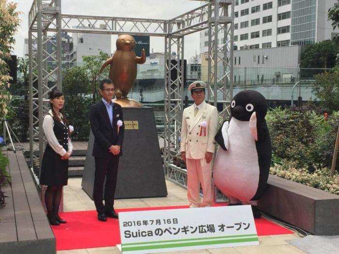 Парк в честь пингвина с IC-карты Suica открылся на станции Синдзюку