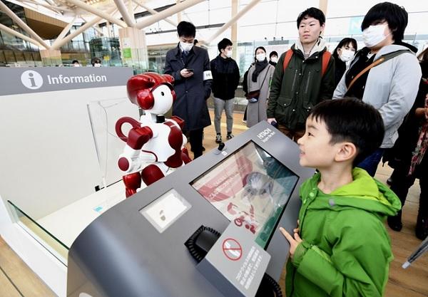 Новая станция открылась в Токио на линии Yamanote