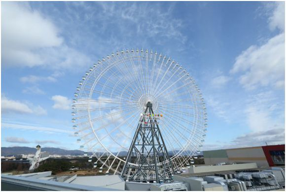 В Осаке открылось самое высокое в Японии колесо обозрения
