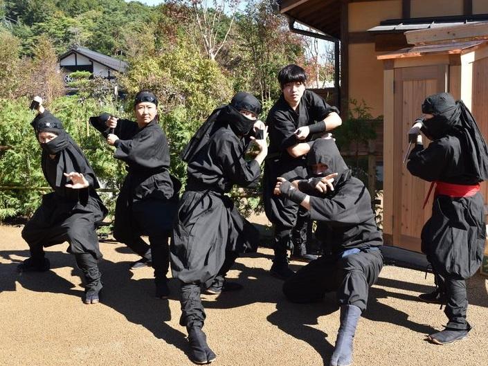 Hato Bus создал новые туры с ниндзя для иностранных туристов