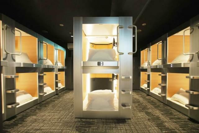 Капсульные отели в Японии привлекают иностранных туристов