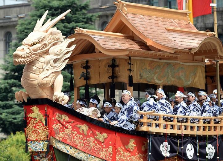 33 японских фестиваля внесены в список ЮНЕСКО